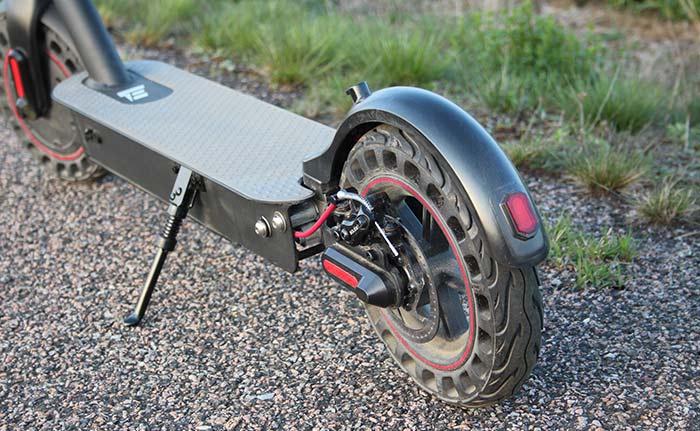 Bakbromsen på E-Wheels E2S V2 2021